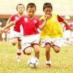 Vì sao trẻ dễ viêm họng sau giờ thể thao?
